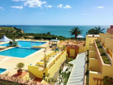 Carvoeiro – Hotel Baía Cristal 4* –80,00€