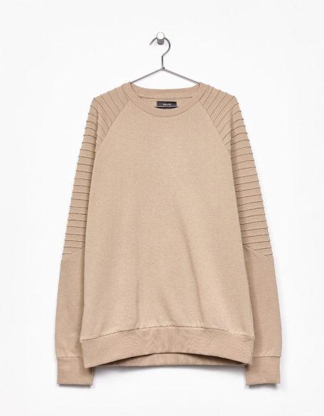 1.camisola homem BERSHKA 24,99